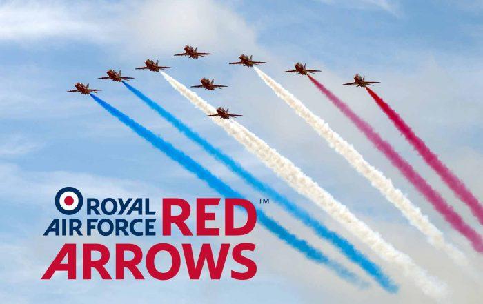RAF-Red-arrows-fly-over-winston-farm